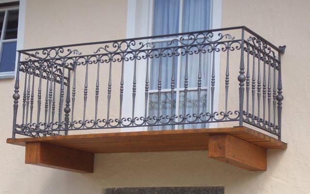 Balkone Stahl modern Kunstschmiede Alteneder