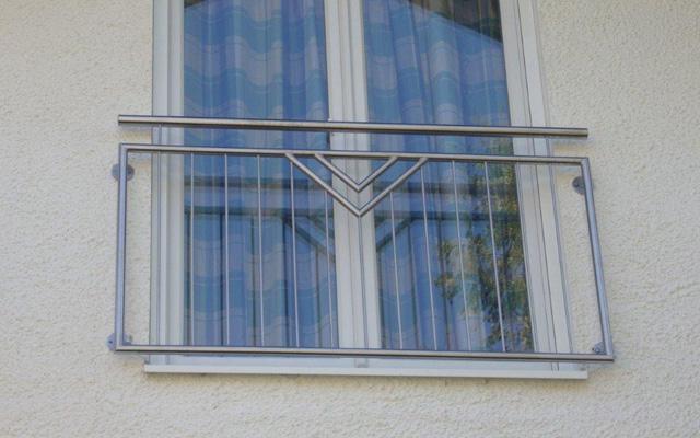 frz . Balkongitter in Stahl und Edelstahl Kunstschmiede Alteneder